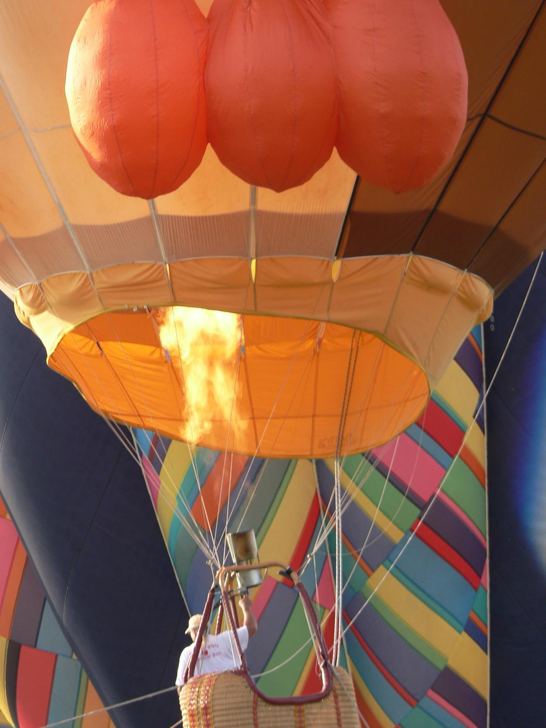 The fire under the balloon - by Marilyn Karp - Under the balloon - Tony Karp, design, art, photography, techno-impressionist, techno-impressionism, aerial photography , drone , drones , dji , mavic pro , video , 3D printing - Books -